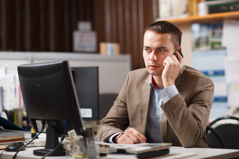 How to Choose the Right Business Phone Systems